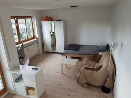 Sehr gut gelegene und möblierte 1-Zimmer Wohnung mit TG-Stellplatz