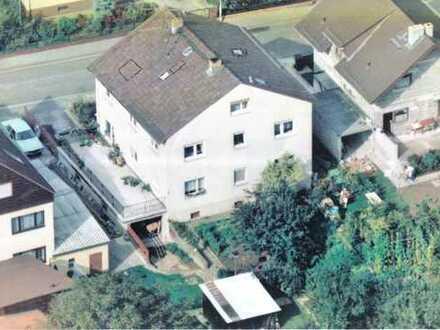 3 FH mit 260qm Wohnfläche, Garten , Garage und zusätzlicher Baugenehmigung für ein 2 gesch.Wohnhaus