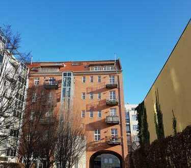 Blick über Berlin, 5-Zimmer-Maisonette-Wohnung im Scheunenviertel, Berlin-Mitte