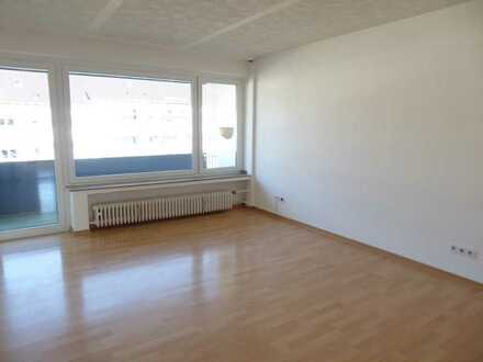 Helle, modernisierte 4 ZKB (2. OG) mit Balkon, Gäste-WC und Mini-Büro