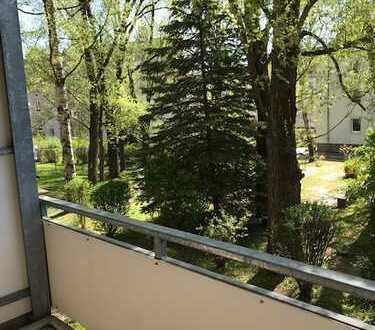 Wir renovieren für Sie eine tolle Wohnung in ruhiger Wohnlage Stadtteil Rabenstein !!!