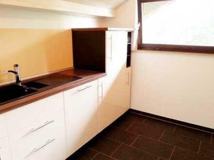 Sanierte 3,5-Zimmer-Dachgeschosswohnung mit Balkon+ neuer EBK in Emmendingen (Kreis)