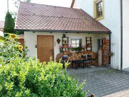 Zentrum von Altshausen! Einfamilienhaus mit Platz für die Familie und Gewerbe-Einheit.