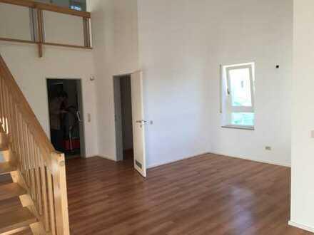 helle Maisonette-Wohnung in zentraler Lage