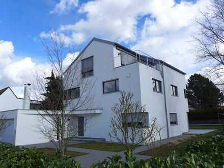 Luxuriöses und modernes Designer EFH mit großem Garten und wunderbar hellen Räumen