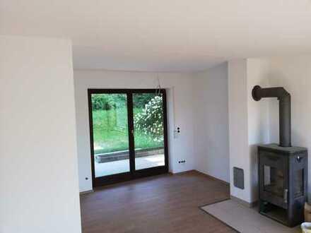 4-Zimmer-Wohnung mit Garten und Garage in Neuburger Traumlage