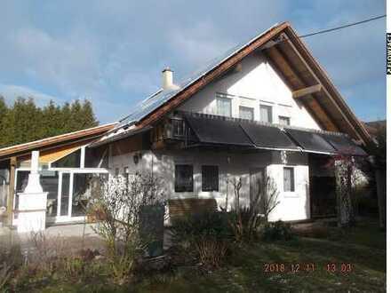 Werkstatt mit Einfamilienhaus und Photvoltaik in Pfullendorf