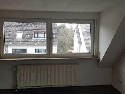 3 Zimmer - Dachgeschoß - Maisonette -Wohnung in ruhiger Lage von Frankfurt - Sossenheim