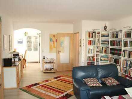 Top Modern geschnittene 3,5 Zimmer Küche Bad in ruhiger Zentrallage von Jever