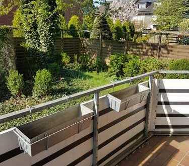 Helle 3,5 Zimmerwohnung mit wunderschönem Balkon ins Grüne