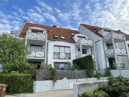 Mering: 1-Zimmer-Dachgeschosswohnung in Bahnhofsnähe