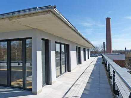 Penthouse im Grünen mit Kamin und Dachterrasse