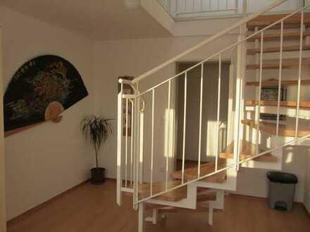 Gepflegte 4,5-Zimmer-Maisonette-Wohnung mit Loggia in Karlsruhe
