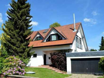 Exklusives hochwertiges Zweifamilienhaus in top Wohnlage