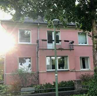 Essen-Stadtwald, gepflegte 3 Zimmer DG-Wohnung sucht neuen Mieter!