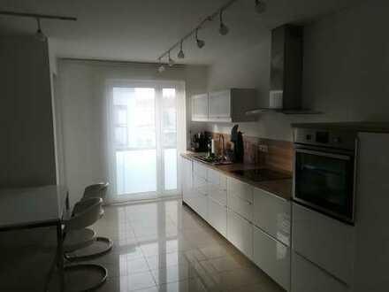 Exklusive 3-Zimmer-Eigentumswohnung in geschmackvollem Gebäudeensemble aus drei Häusern