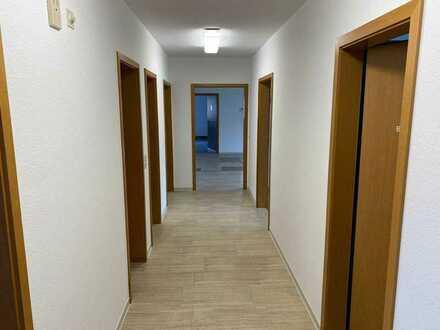 Einmalige und sehr große Wohnung sucht nach neuen Bewohnern in Schnaitheim