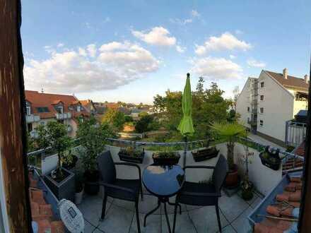 Exklusive 2-Zimmer-DG-Wohnung mit Balkon in Mainz