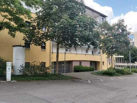 Exklusive, gepflegte 2-Zimmer-Wohnung mit Balkon und Einbauküche in Nürtingen