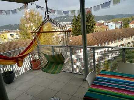 1 Jahr befristet - Neuwertige 3-Zi Wohnung mit herrlichem Ausblick, EBK, Westbalkon, Tiefgarage