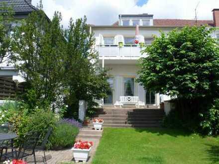 Wohnen im schönsten Teil von Hamm! Traumhafte Dachgeschosswohnung in Kurparknähe!