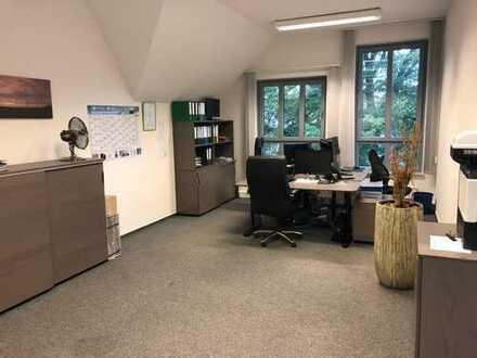 Büro // Bürogemeinschaft