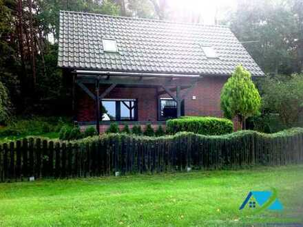+ Maklerhaus-Stegemann + 4,50% + Ferienhaus mit direktem Blick auf dem Fleesensee