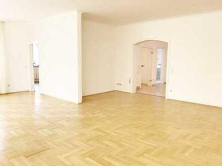 Elegante EG-Wohnung mit Terrasse, Garten, Garage und Souterrain mit Sauna - 360° Virtuelle Tour!