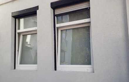 gepflegte 1-Zimmer-EG-Wohnung mit Kochnische in Esslingen am Neckar