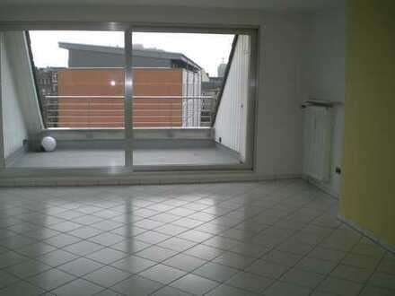 Schöne 3-Zimmer-Wohnung mit Dachterrasse in Duissern/Kaiserberg