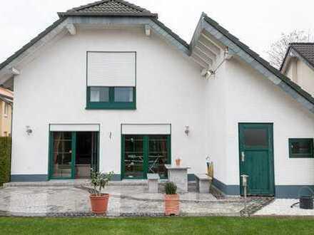 Mediterranes Einfamilienhaus mit Kamin und Eigenheimcharakter sucht Mieter mit liebe zum Detail