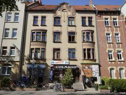 Heimelige Dachgeschosswohnung in der Blumenstraße