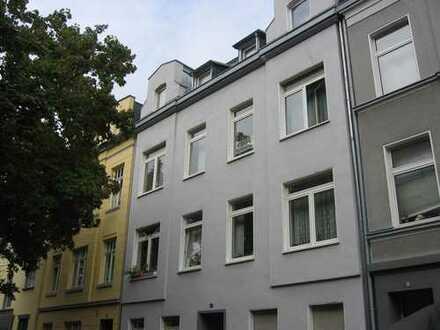 Appartement mit Küche und Duschbad in Lindenthal nur an Studenten!!