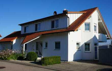 Besonderes Ein- bis Zweifamilienhaus mit acht Zimmern - OHNE MAKLER -