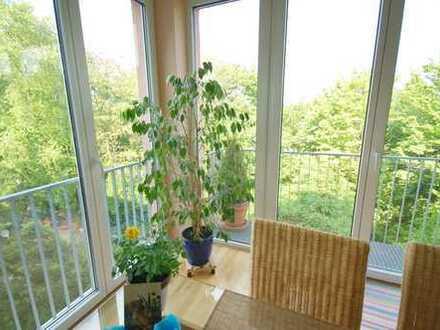 Wohnen im Grünen, nur 200 Meter vom Rhein, 3,5-Zimmer in Köln-Riehl