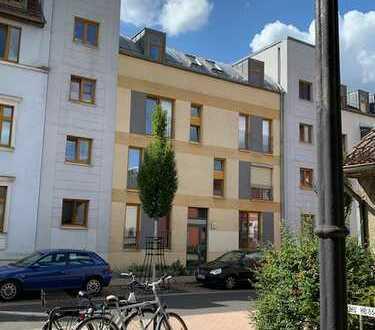 Dachgeschoss in moderem Stadthaus im ruhigen Zentrum von Oranienburg - mit Parkplatz!