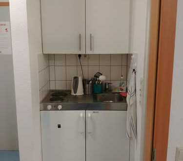 Günstiges 1-Zimmer-Appartment in Neckarstadt und guter Lage sucht studentischen Nachmieter