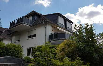 Ruhige, gepflegte 3-Zimmer-DG-Wohnung mit Balkon und EBK in Bad Homburg-Dornholzhausen