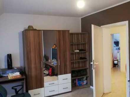 Großes WG-Zimmer in 100qm Wohnung im Lippstädter Süden :)