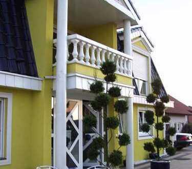 Außergewöhnliches, freistehendes Ein-/Zweifamilienhaus in Kirchardt