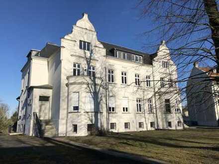 Vermiete Gewerbe/Wohnen , 9 Räume, 335 m² (teilbar) mit Gartenzugang und Wasserblick