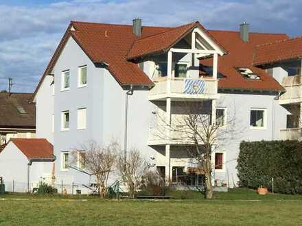 Schöne 3-Zimmer-DG-Wohnung mit Balkon in Meitingen