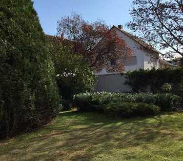 Modernisierte 2,5 Zimmer-Wohnung mit großem Garten in Viernheim