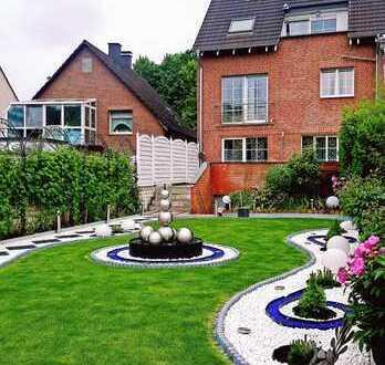 Exklusives größzügiges Zweifamilienhaus mit Design-Garten, Bj. 2002, Provisionsfrei!!!