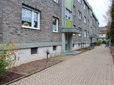 [Reserviert] Schöne 3,5-Zimmer-Wohnung mit Balkon in Duisburg Großenbaum