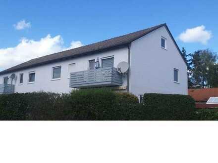 Sanierte Wohnung mit vier Zimmern und Balkon in Stammham