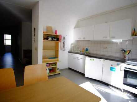 Zimmer in der Studentenwohnanlage Stahnsdorfer Straße für Studentin