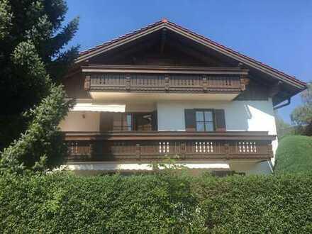 Neuwertige 6-Zimmer-Wohnung mit Garten und Einbauküche in 83404, Ainring
