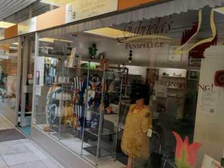 Ladeneinheit (bisher Friseur) inkl. Einrichtung PROVISIONSFREI zu verkaufen