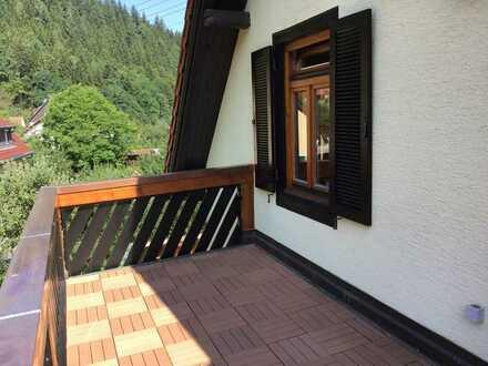 2-Zimmer Wohnung mit EBK und Balkon in Unterreichenbach-Dennjächt